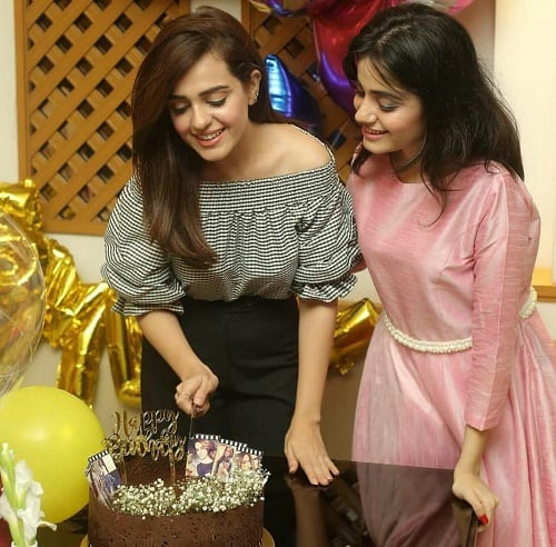 Sumbal Iqbal Celebrates Birthday In Style!