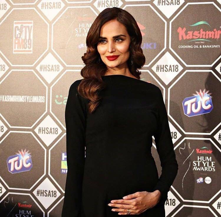 Mehreen Syed Glowing At The HUM Style Awards