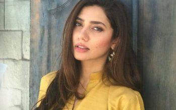 Mahira Khan Walks At PLBW18!