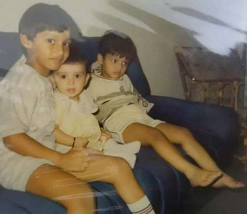 Ayeza Khan Shares Her Cutest Childhood Pictures!