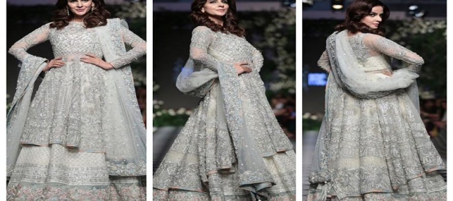 Beautiful Saba Qamar At PLBW18 – Pictures and Videos