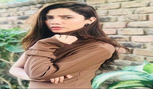 Mahira Khan's Beautiful Birthday Wish To Her Mother