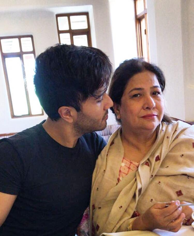 Cutest Pictures Of Feroze Khan With Family