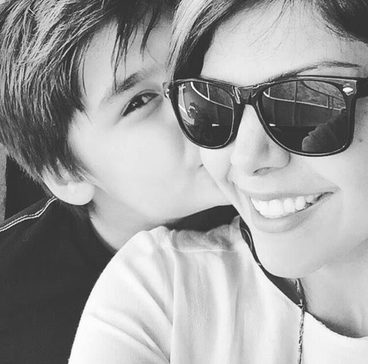 Heartwarming Pictures Of Hadiqa Kiani With Her Son And Mother