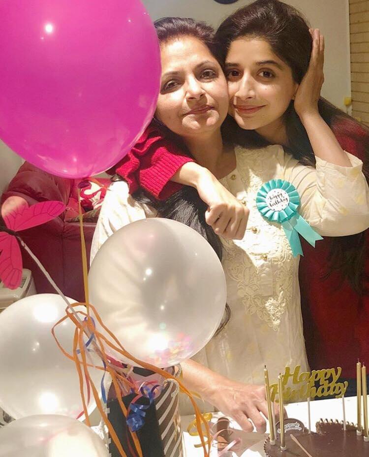 Mawra Hocane Celebrates Her Mother's Birthday