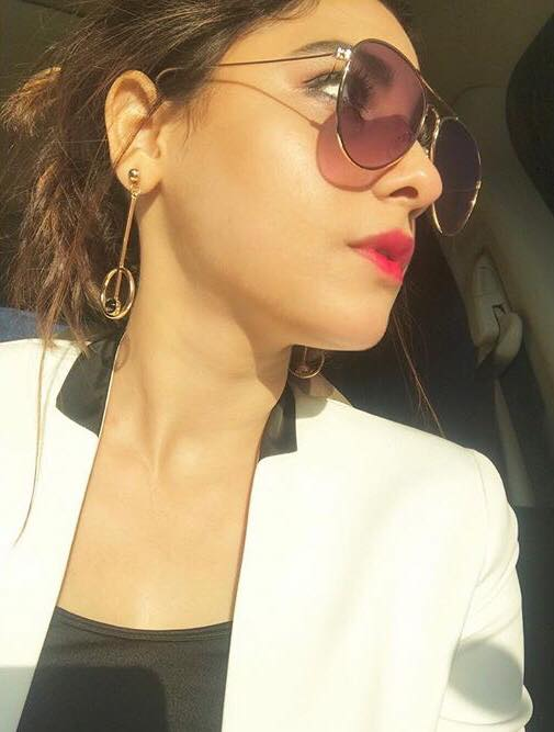 Hina Altaf Smitten By Good Looking Man At Zara's Counter