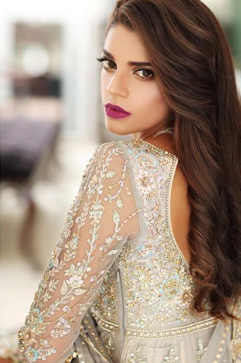 Beautiful Latest Pictures Of Sanam Saeed