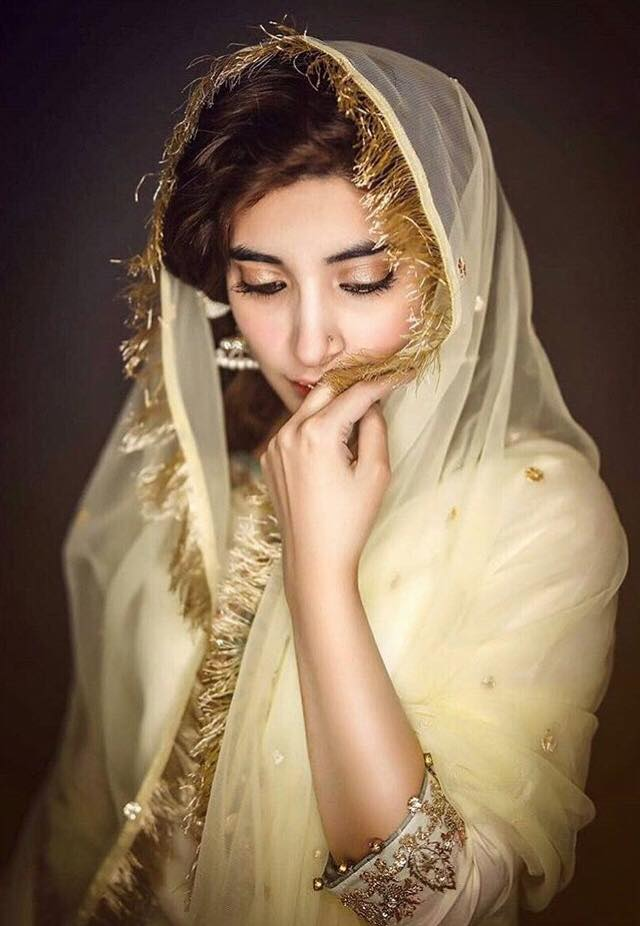 Urwa Hocane Replies To Khalil-ur-Rehman Qamar