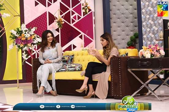Sanam Jung with Her Sister Anam Jung on Jago Pakistan Jago