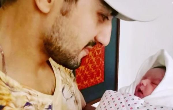 Hammad Farooqi With His Little Baby Boy