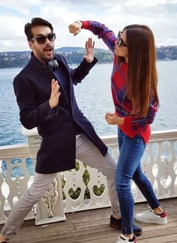 Cast Of Paray Hut Love Is Having Fun In Istanbul