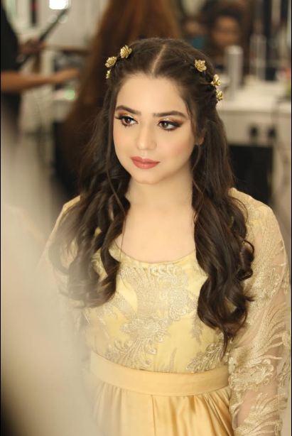 Makeup PhotoShoot Of Sara And Arisha Razi Khan