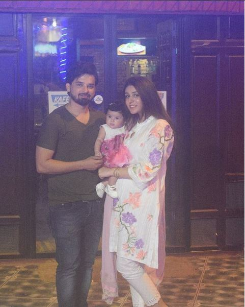 Actor Noman Habib With Wife And Daughter-Pictures