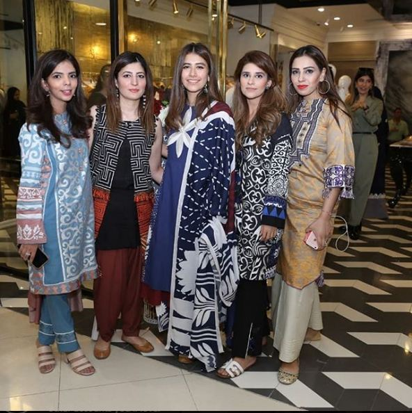 Gorgeous Syra Shehroz With Her Sister At An Event
