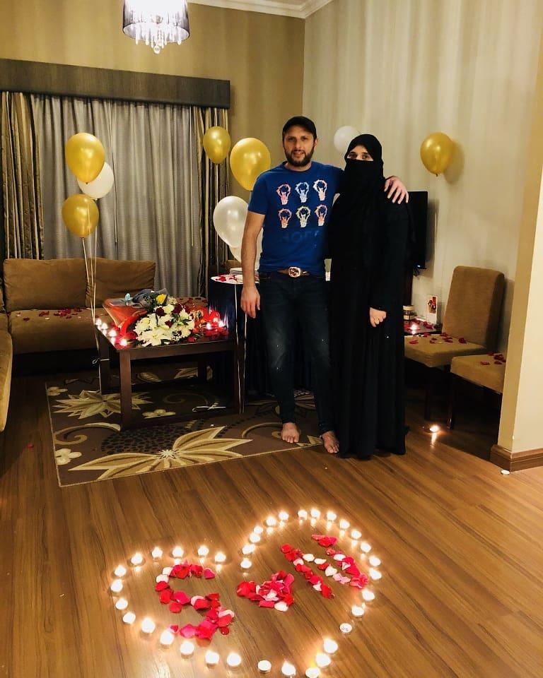 Shahid Afridi Wife Nadia - 10 Beautiful Family Pics