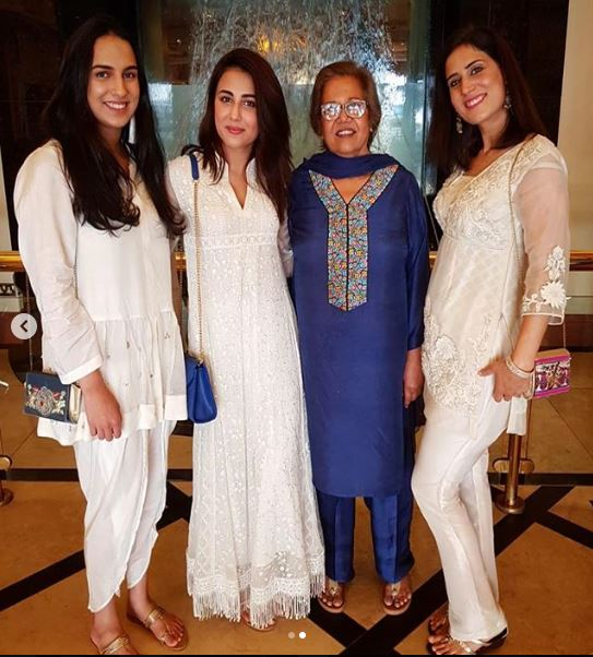 Ushna Shah With Her Beautiful Sister