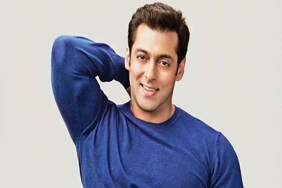 Salman Khan In Hot Waters For Hoisting Pakistani Flag