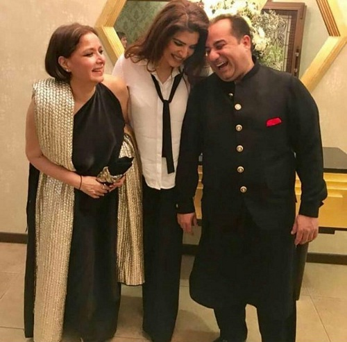 Resham Shares A Picture With RFAK And Babra Shareef
