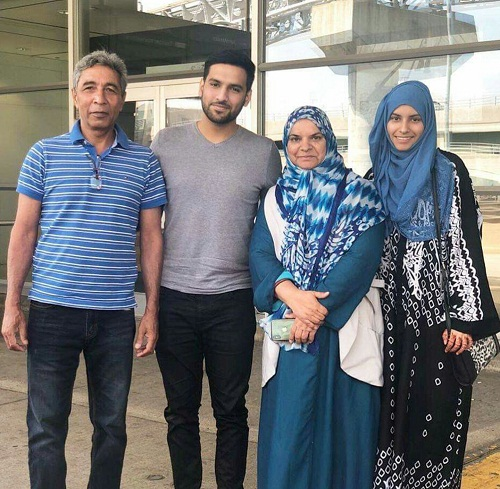 Comedian Zaid Ali T With Wife Yumna-Pictures