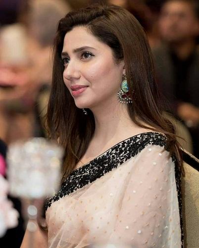Mahira Khan In A Beautiful Saari At An Event