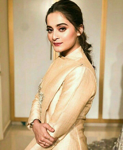 Aiman Khan At A Store Launch