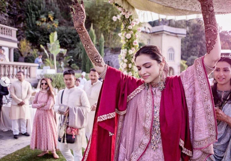 Deepika and Ranveer New Amazing Pictures of Wedding