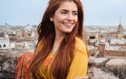 Momina Mustehsan Celebrates Diwali With Her Friends