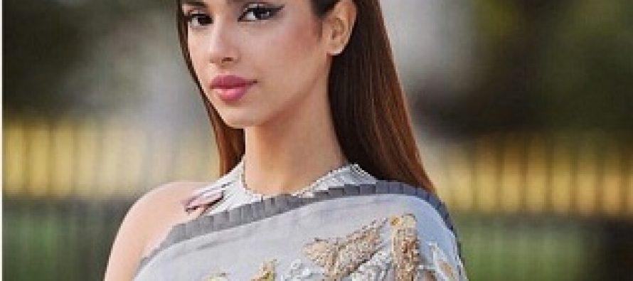 Sonya Hussyn's Love For Saaris