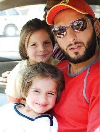 Shahid Afridi Family