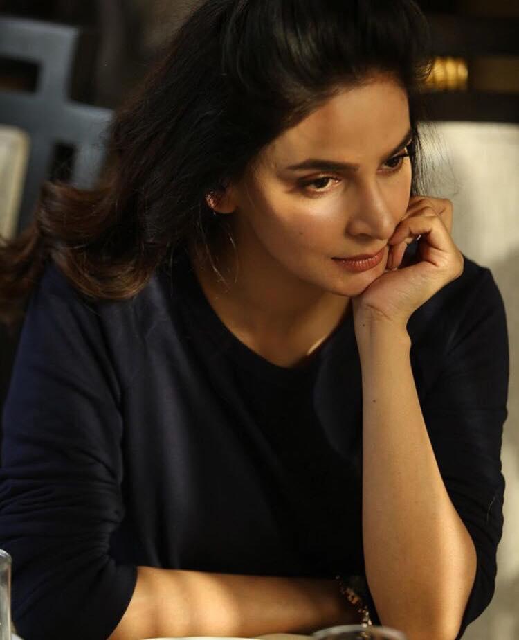 Saba Qamar Talks About The Fall On The Ramp