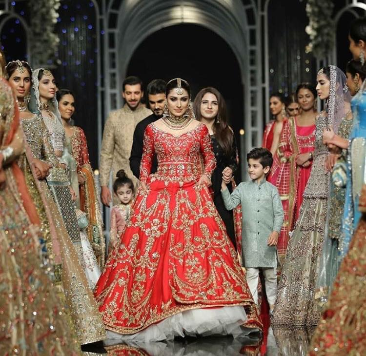 Ayeza Khan Exclusive Pictures From Bridal Couture Week