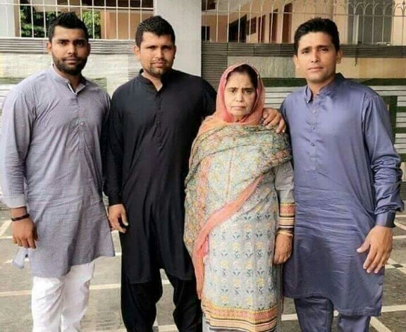 Akmal Brothers' Mom Passed Away
