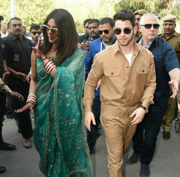 Nick Jonas And Priyanka Chopra Spotted At The Airport
