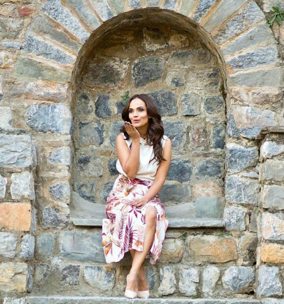 Aamina Sheikh Looks Wonderful In Latest Clicks