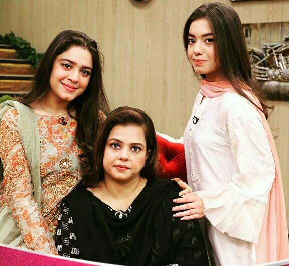 Sara And Arisha With Mom On Faysal Qureshi's Show