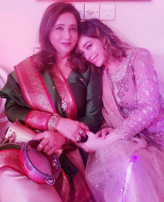 Komal Rizvi's Latest Pictures