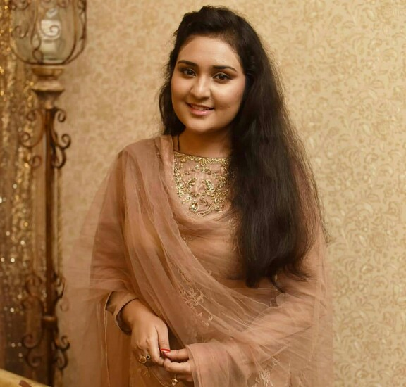 Singer Sara Raza Spends Time With Her Family
