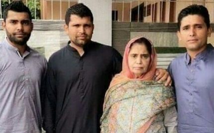 Akmal Brothers' Mom Passed Away