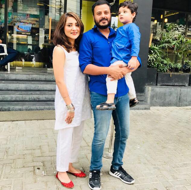 Latest Pictures Of Sana Askari With Her Husband and Son