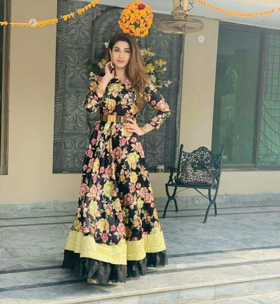 Reema Khan, Resham And Sana Fakhar Spotted At A Wedding