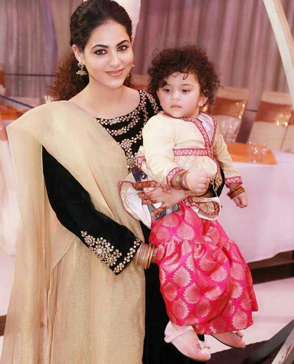 Annie Khalid With Her Cute Little Girl