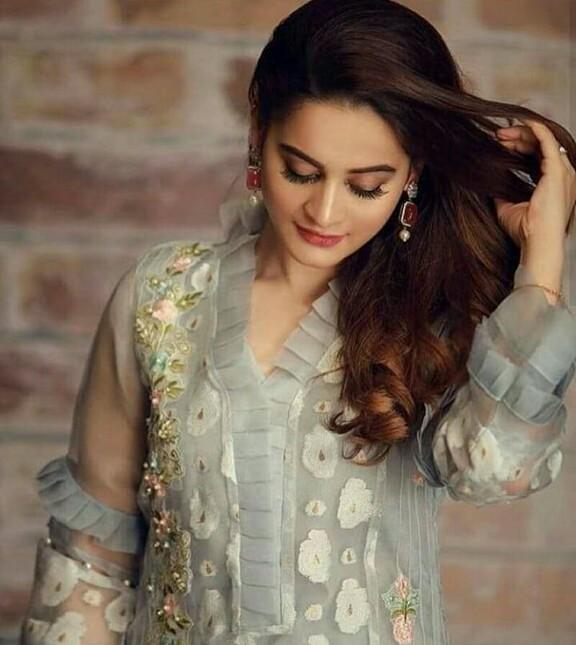 Latest Clicks Of Beautiful Aiman Khan