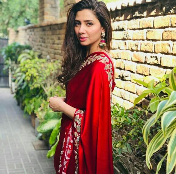 Mahira Khan Stuns In A Red Saari