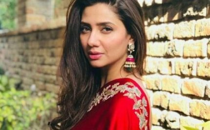 Mahira Khan Stuns In A Red Saari