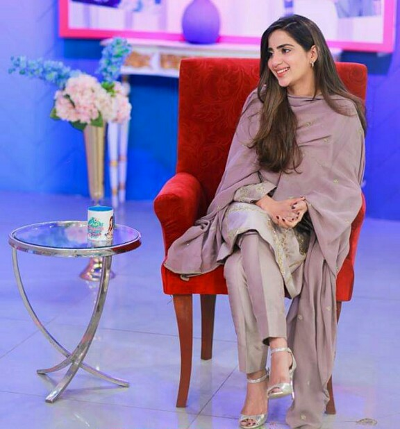 Saboor Aly In Farah's Morning Show