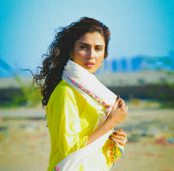 Ayeza Khan And Muneeb Butt To Star Together Again