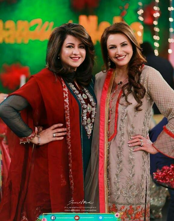 Saba Faisal's Family At Farah's Show