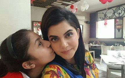 Nida Yasir With Beautiful Daughter Silah Yasir