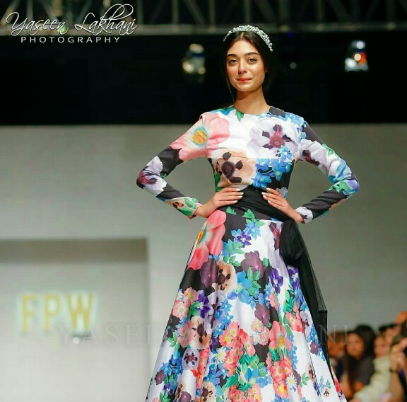 Noor Khan Gives Disney Princess Vibes On The Ramp