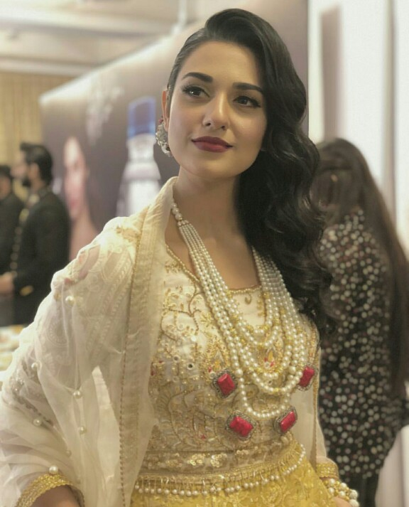 Sarah Khan Is The Perfect Summer Bride